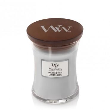 Średnia świeca Lavender & Cedar Woodwick