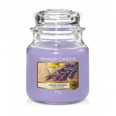 Średnia świeca Lemon Lavender Yankee Candle