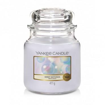 Średnia świeca Sweet Nothings Yankee Candle