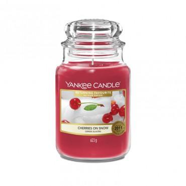 Duża świeca Cherries On Snow Yankee Candle