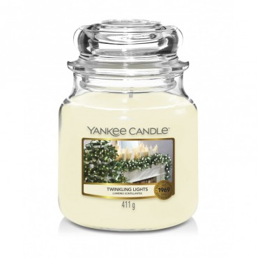 Średnia świeca Twinkling Lights Yankee Candle