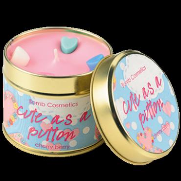 Świeca zapachowa w puszce RÓŻOWY GUZICZEK – Bomb Cosmetics