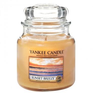 Średnia świeca Sunset Breeze Yankee Candle