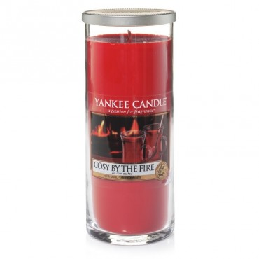Duży pilar Yankee Candle Cosy by the fire