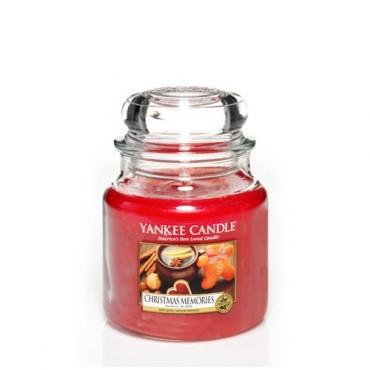 Średnia świeca Christmas Memories Yankee Candle