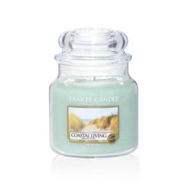 Średnia świeca Coastal Living Yankee Candle