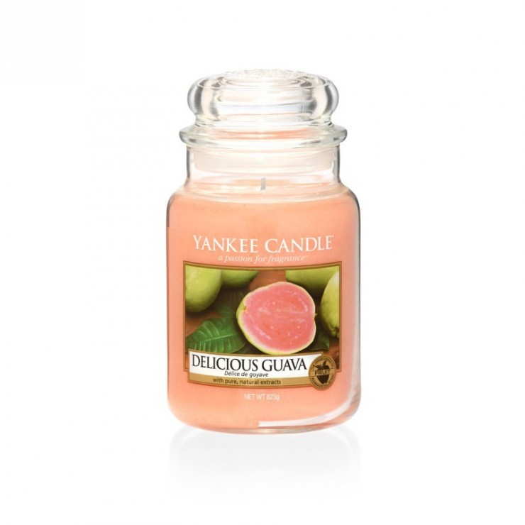 Duża świeca Delicious Guava Yankee Candle