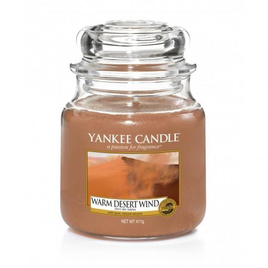 Średnia świeca Warm Desert Wind Yankee Candle