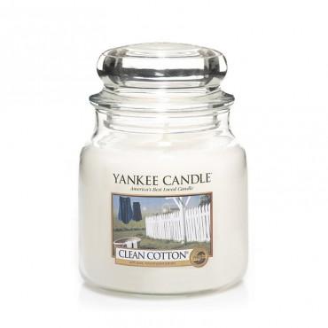 Średnia świeca Clean Cotton Yankee Candle