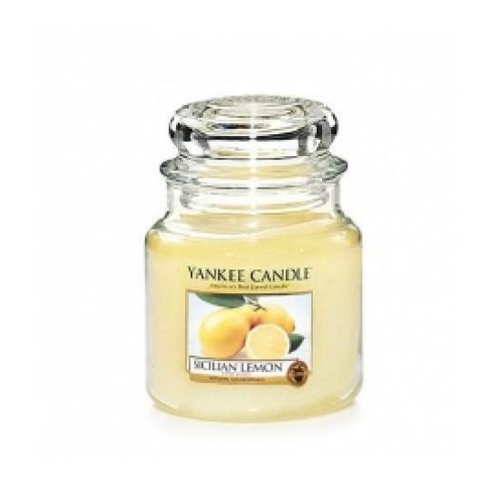 Średnia świeca Sicilian Lemon Yankee Candle