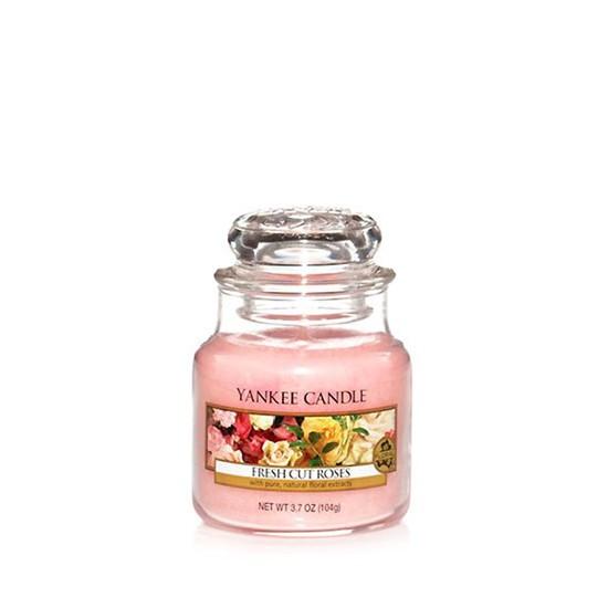 Mała świeca Fresh Cut Roses Yankee Candle