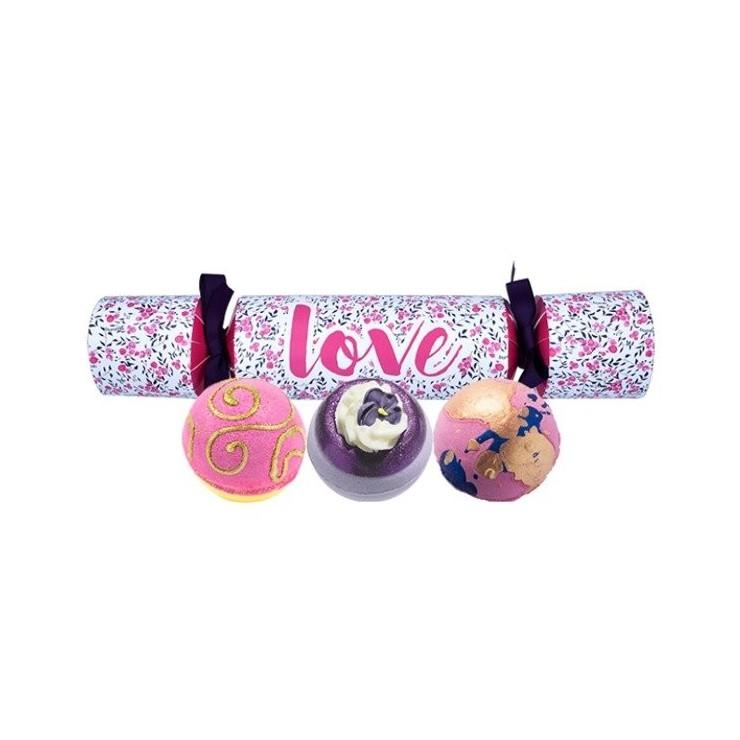 Zestaw upominkowy W kształcie Cukierka Love Bomb Cosmetics