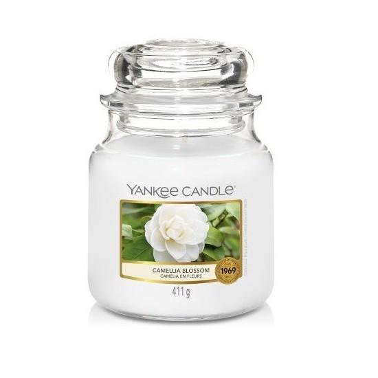 Średnia świeca Camellia Blossom Yankee Candle