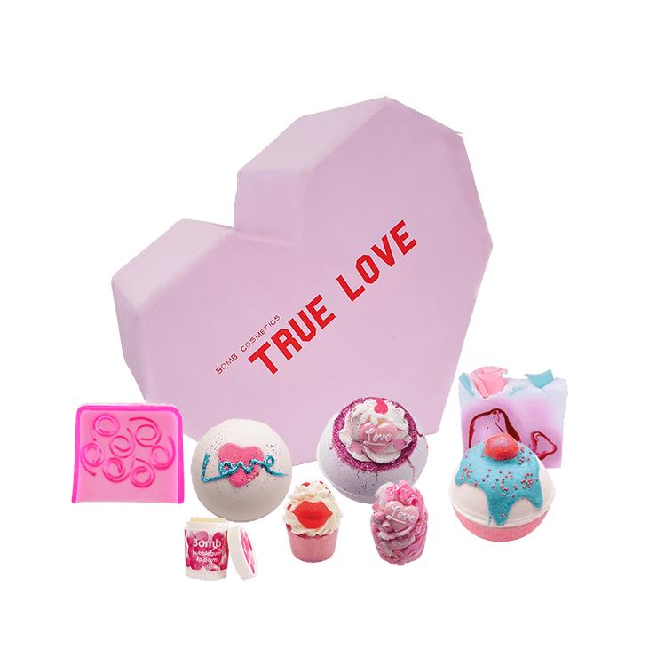 Zestaw kosmetyków True Love Bomb Cosmetics