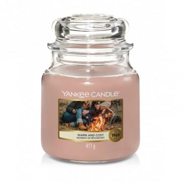 Średnia świeca Warm & Cosy Yankee Candle
