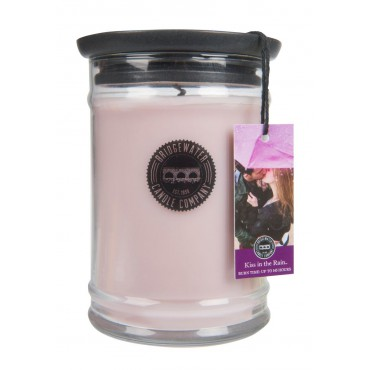 Świeca zapachowa Kiss in the Rain 524g Bridgewater Candle