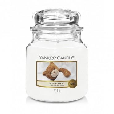 Średnia świeca Soft Blanket Yankee Candle