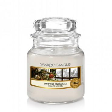 Mała świeca Surprise Snowfal Yankee Candle